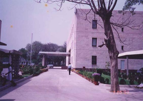 インドの日本大使館.jpg